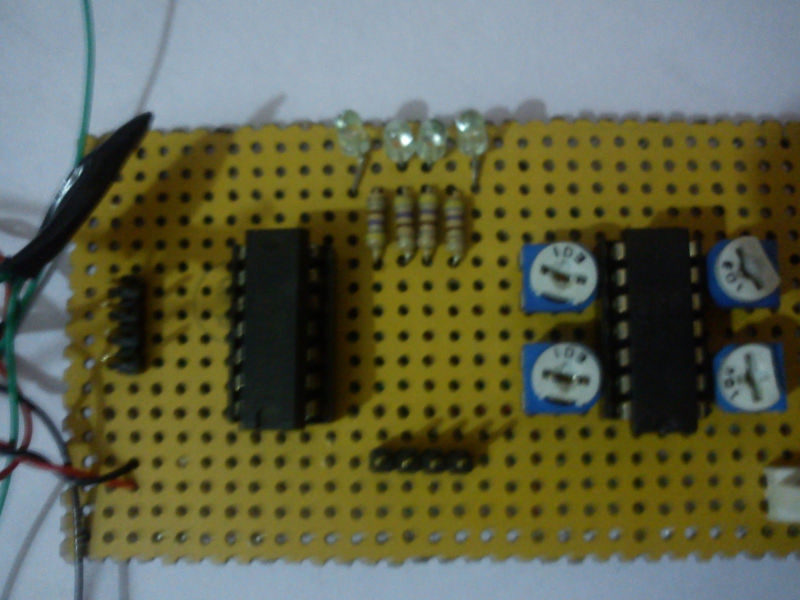 Electronics Projects And Details Self Balancing Robot Servo Motor Control Through Keypad Using 8051 Microcontroller At89c51 The Characteristics Of Op Amp In Configuration Comparator Can Be Describe Aswe Say That When V2 Is Non Inverting Terminal Voltage