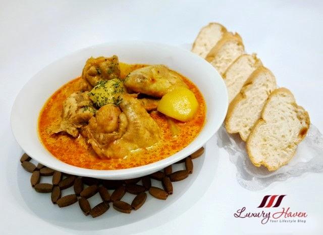 prima taste authentic singapore curry bread