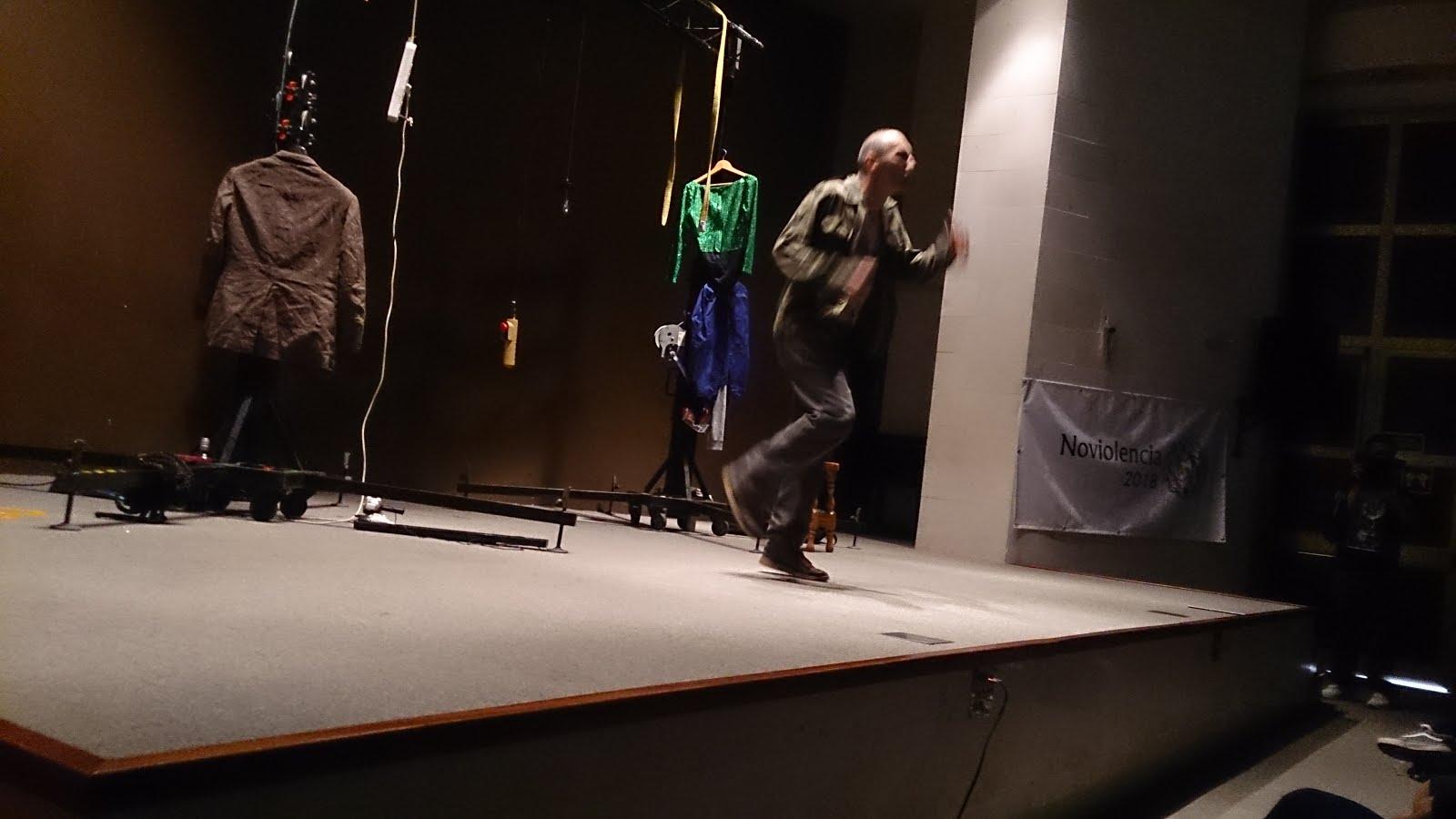 Moisés Mato: Teatro de la escucha
