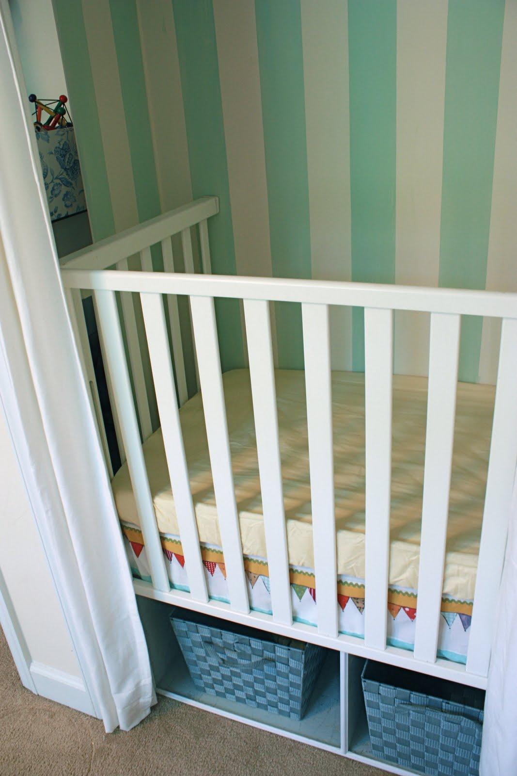 Dutch Cupboard Crib (okay, A Crib Built In The Closet)   Live Free Creative  Co
