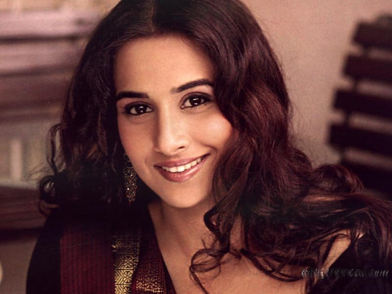 Download Free HD Wallpapers of Vidya Balan