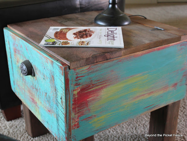 repurposed drawer, side table, paint, reclaimed wood, storage, beyond the picket fence, http://bec4-beyondthepicketfence.blogspot.com/2013/09/drawer-side-table.html