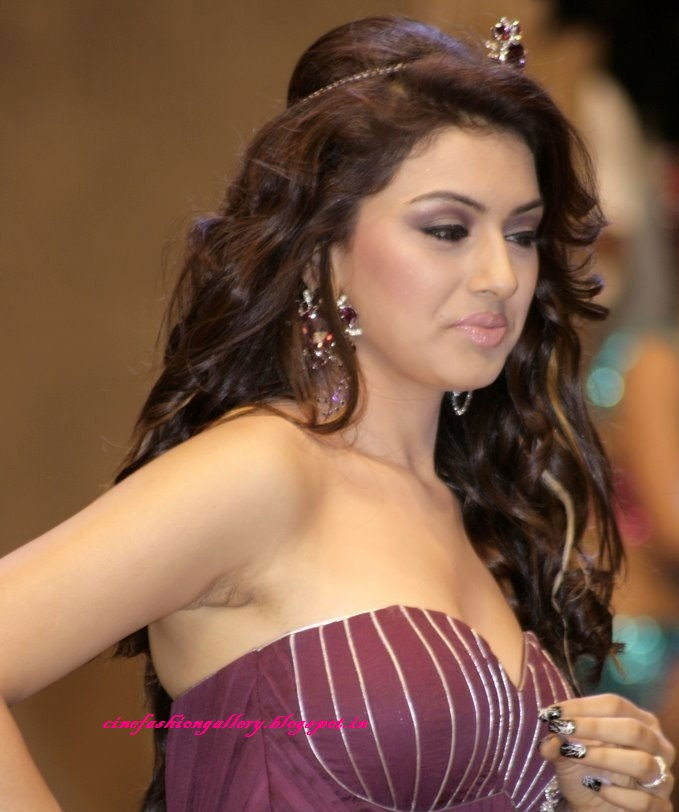 Hansika Motwani Hot and Milky Cleavage and Thigh Show ...: cinefashiongallery.blogspot.in/2012/04/hansika-motwani-hot-and...