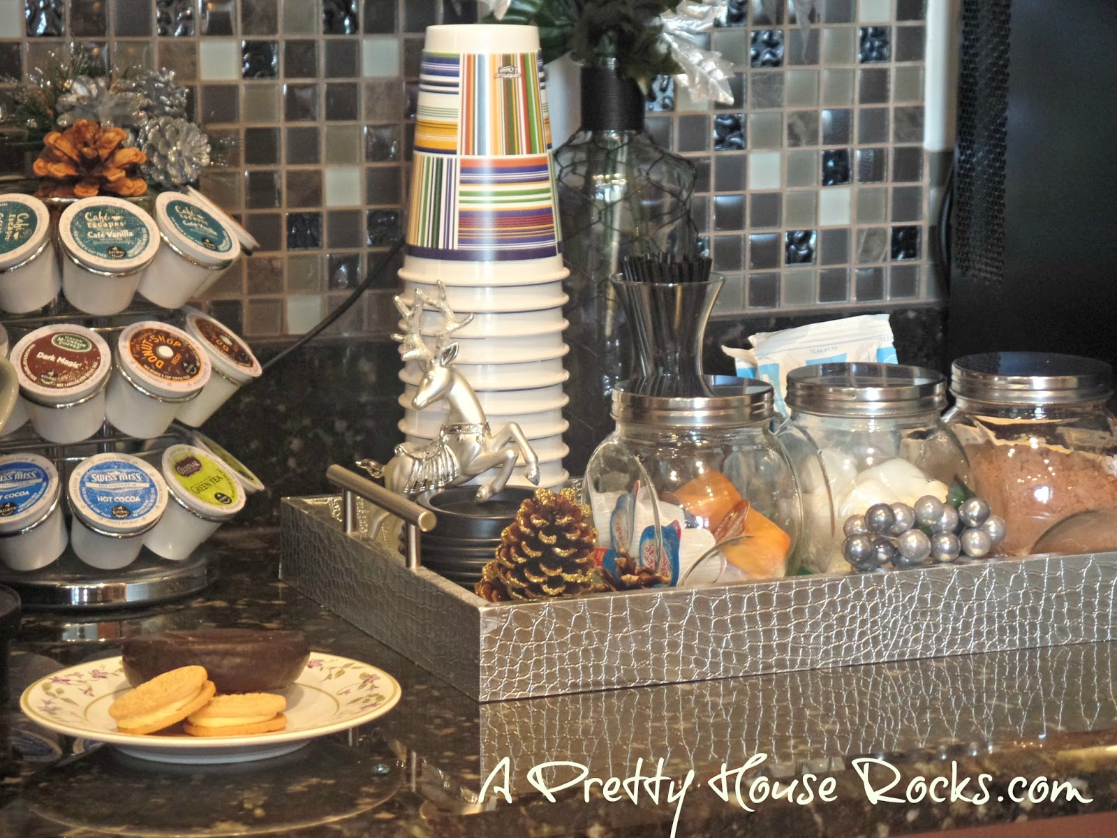 a pretty house rocks home decorating blog 2015 so we have all seen various pics depicting inviting and inspiring coffee and hot cocoa stations i so want that it s the holidays i love and need coffee