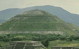 Teotihuacan Pyramid4