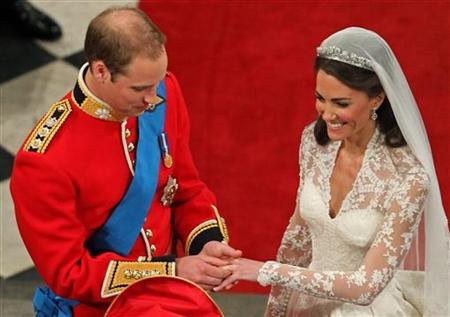kate and william wedding ring. William Wedding With Kate