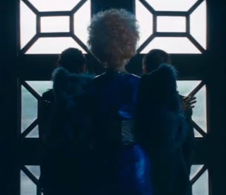 "The Hunger Games: Catching Fire - Effie's ""Wings"""
