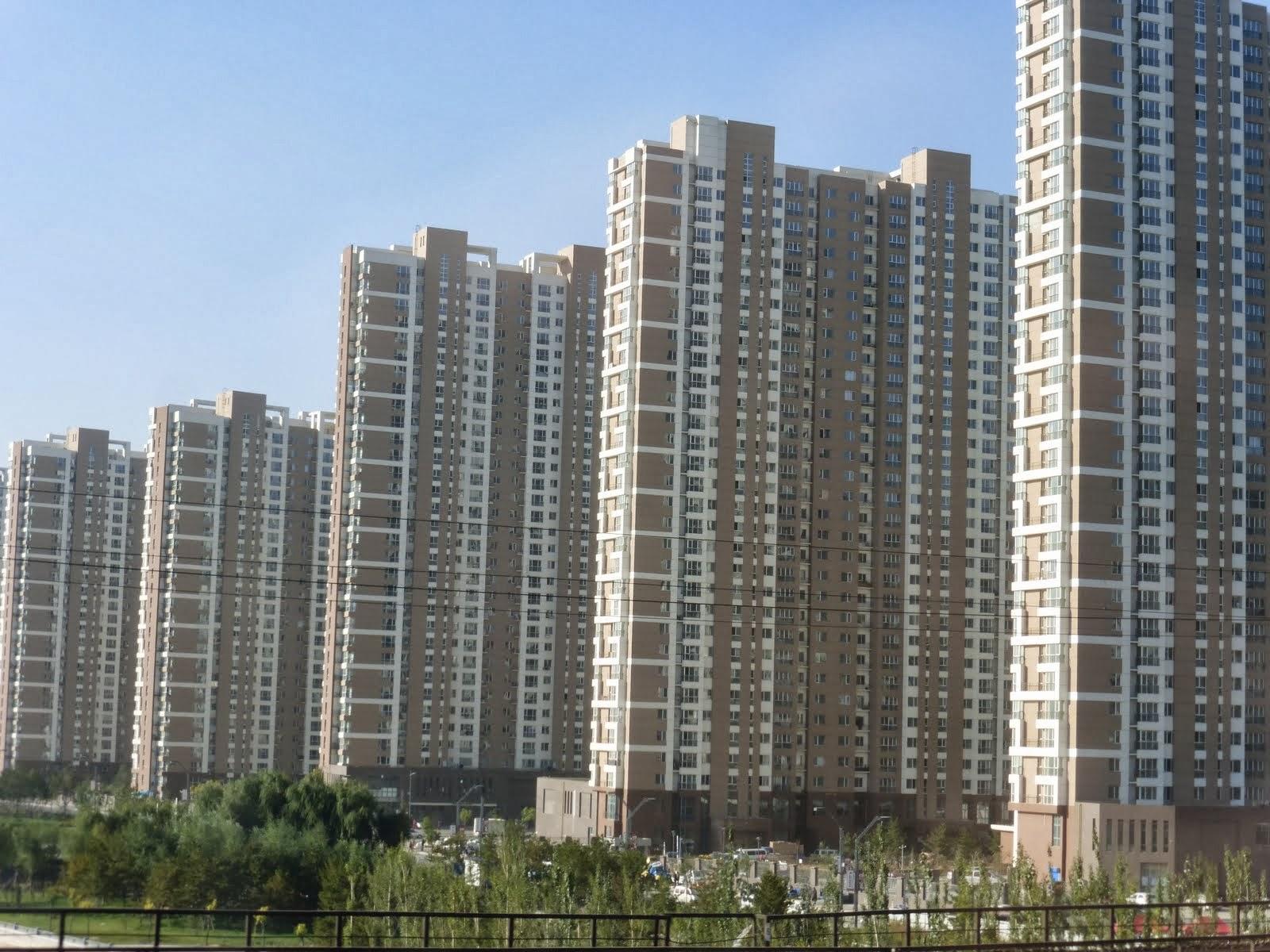 Nos rayons pour un soleil de oulan baatar p kin for Piscine entre 2 immeubles