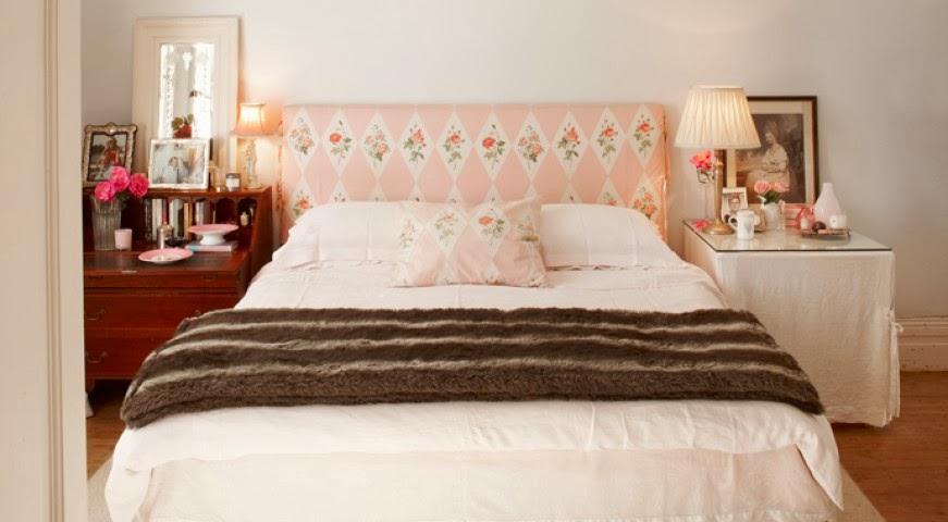 Aranżacja przytulnej sypialni, zagłówek łózka w kwiaty