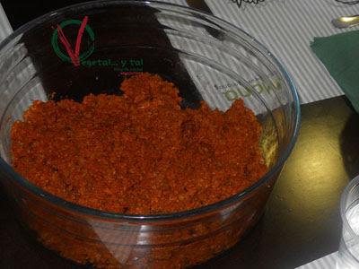 Chorizo vegetariano frito como picadillo.