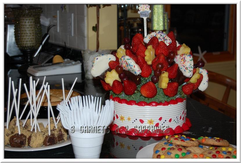 Impressive Edible Arrangements Cupcakes 830 x 562 · 384 kB · jpeg