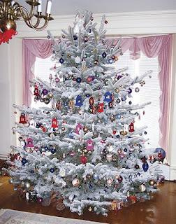 Pohon natal, desain pohon natal, pohon natal megah, pohon natal elegant, gambar pohon natal, pohon natal besar, pohon natal sederhana