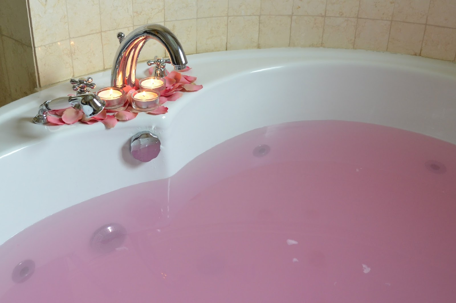 When You Sniff The Bath Bomb, The Scent Is Very Subtle Compared To Most  Others. Only Once Itu0027s Immersed In Water Does The Scent Hit You, With Hints  Of ...