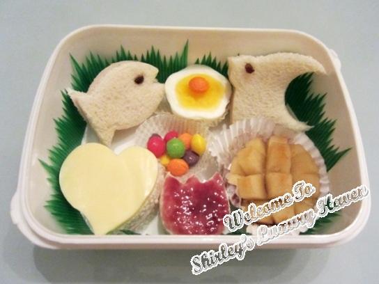 kids bento box sandwiches