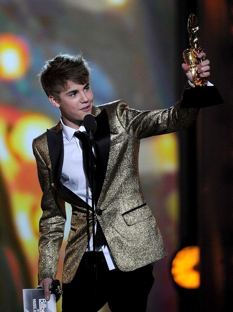 justin bieber 2011 billboard awards. 2011 Billboard Music Awards