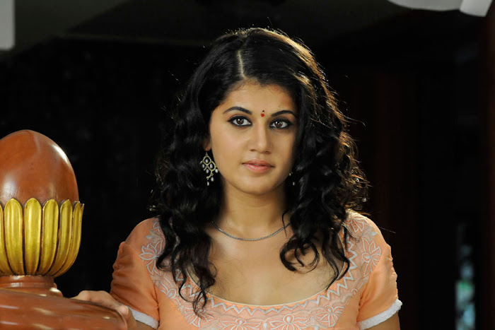 Taapsee Pannu Face Closeup Beautiful Innocent Beauty Tapsee Pannu in Mogudu