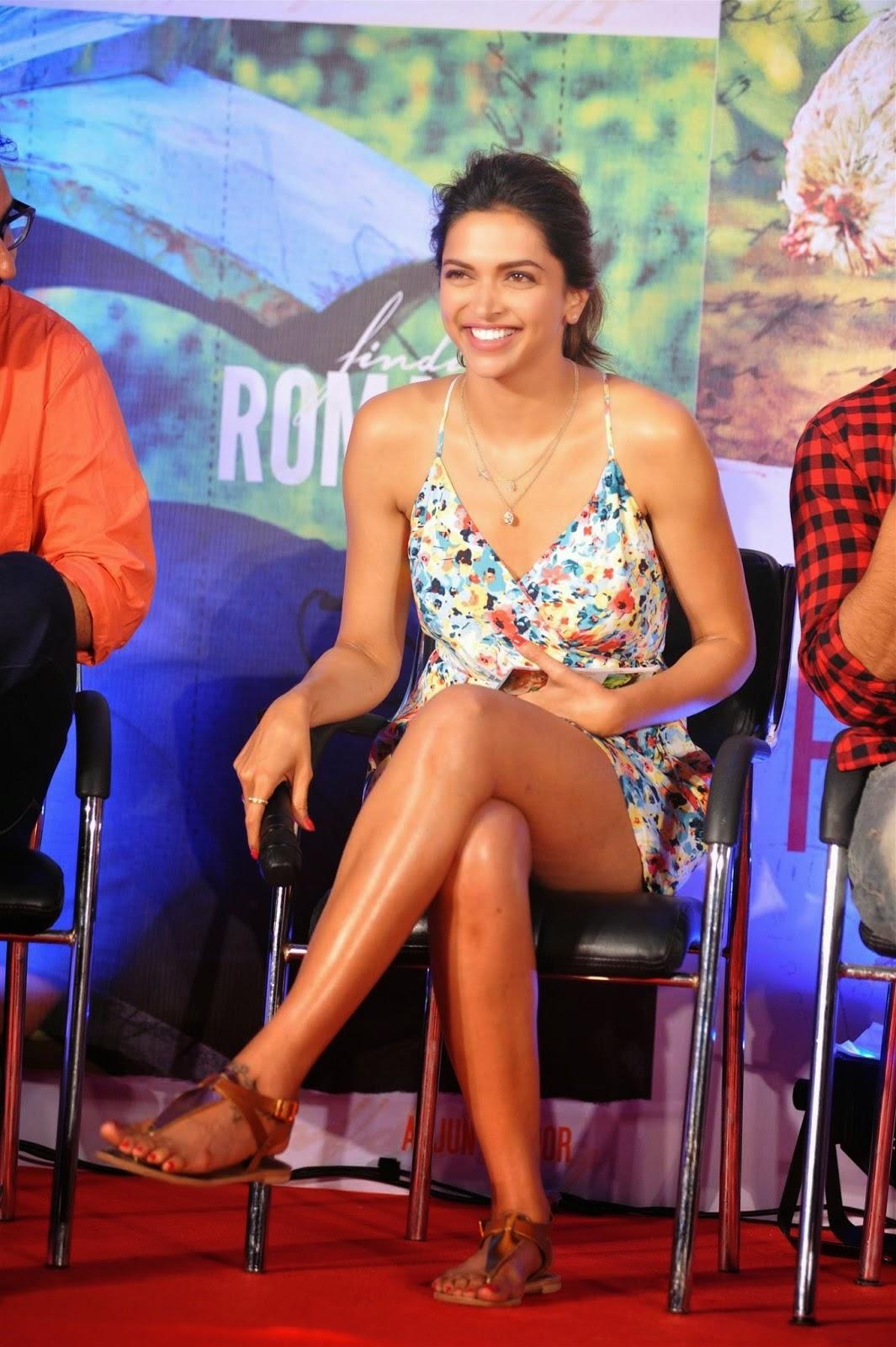 Deepika Padukone hd legs