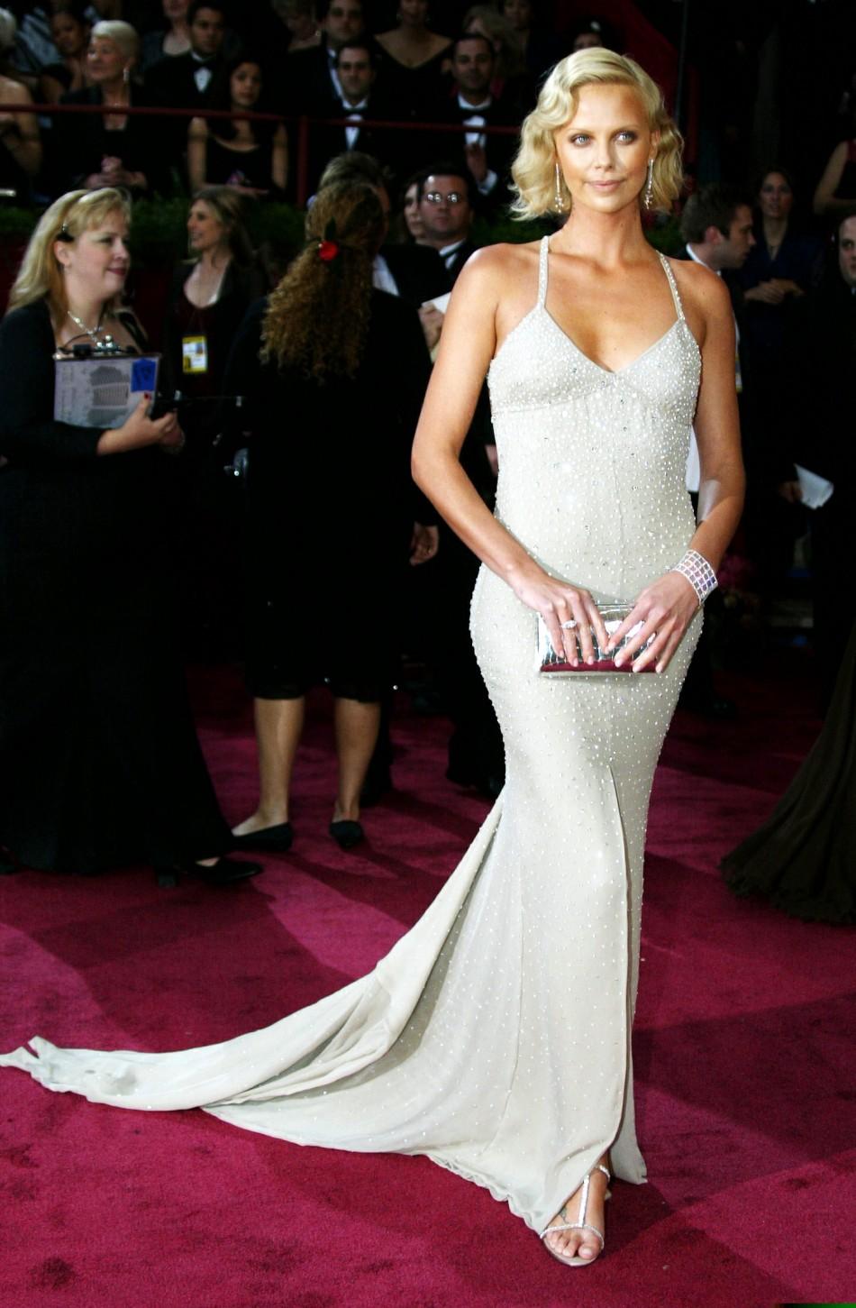 Charlize Theron Oscar 2004