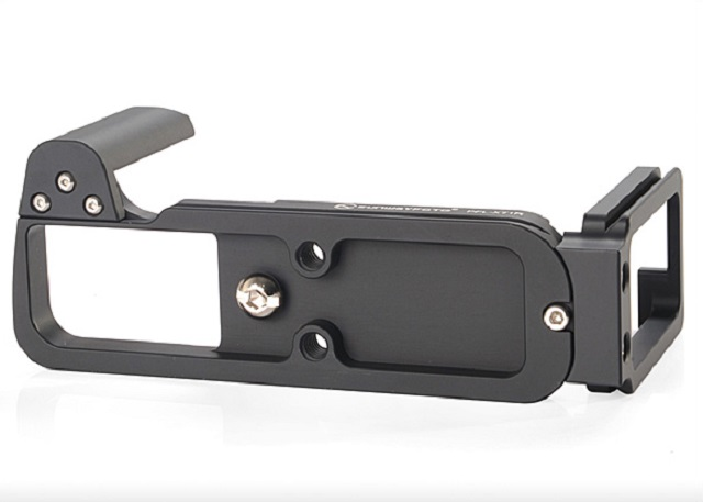 Sunwayfoto PFL-XT1R L Plate with Grip bottom view