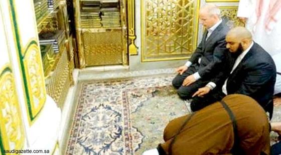 Penghina Nabi Muhammad Kini Masuk Islam: Maafkan Saya...