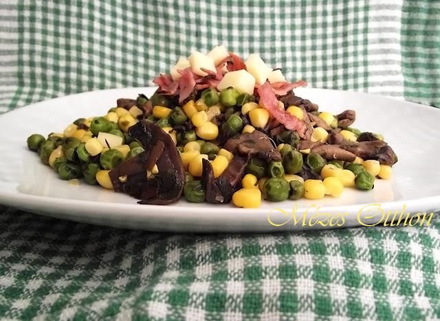 gombás-borsós saláta fotó