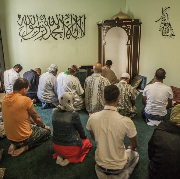 Contoh 7 Khutbah Jumat Batalnya Syahadat Seorang Muslim