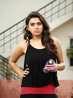 Hansika Motwani glamorous photos-cover-photo