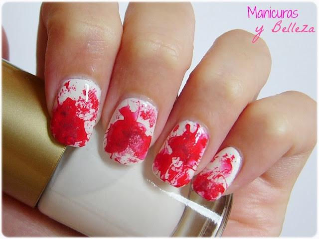 manis de halloween nail manicura vampiros nail art sangre salpicaduras splatter blood nails rojo blanco red white vampires