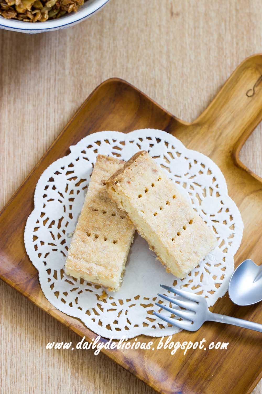 dailydelicious: Easy Macadamia Shortbread
