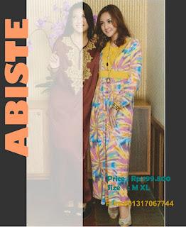 ... kain dan ornamennya dibuat dengan penuh gaya dan cita rasa tinggi