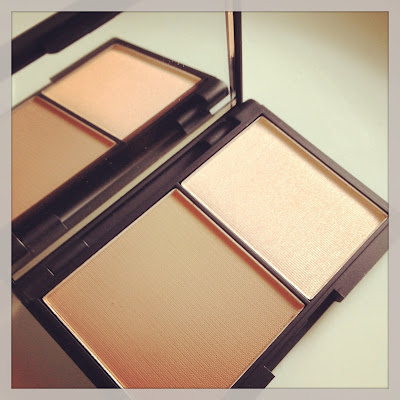 Sleek Contour Palette in Light