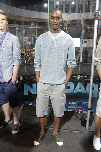 Light blue sweater with V neck tshirt light gray long cargo short and