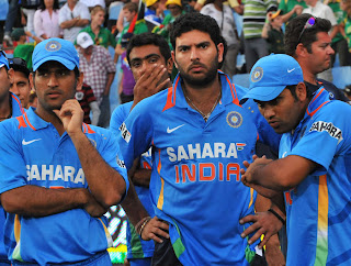 ashwin,dhoni and yuvraj singh playing