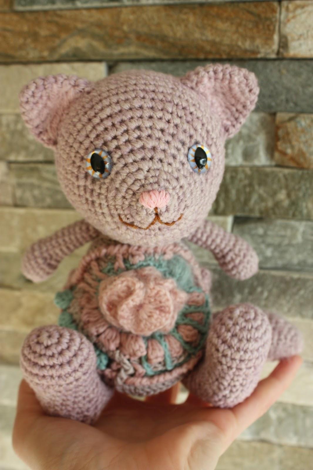Amigurumi Crochet Toys : HAPPYAMIGURUMI: Freeform Crochet and Amigurumi Toys