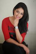 Hari Priya dazzling stills-thumbnail-19