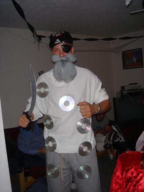 Disfraz de CD Pirata