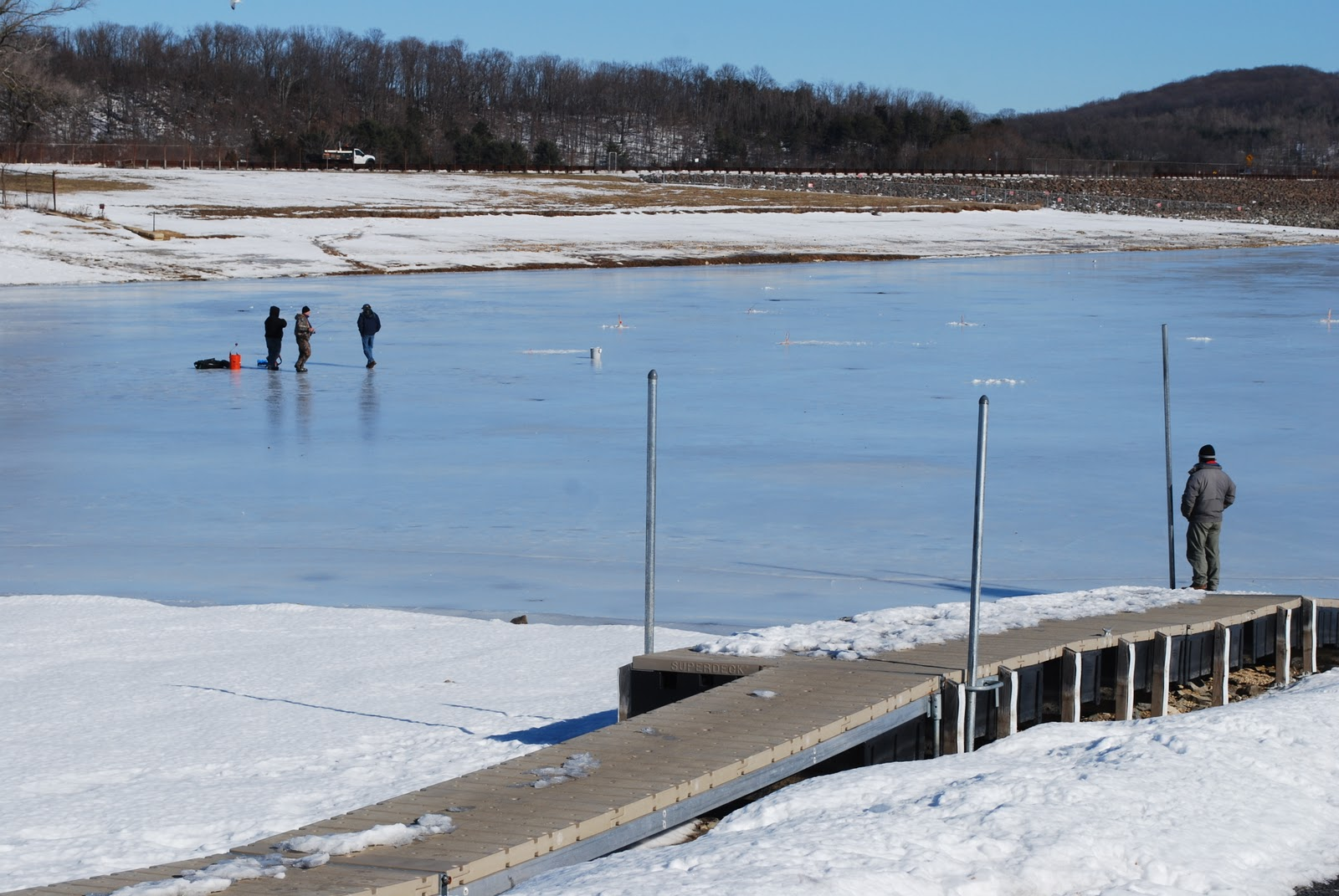 Litton 39 s fishing lines new jersey ice fishing in question for Round valley reservoir fishing