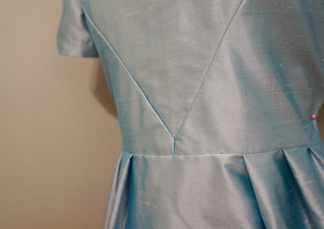 60s silk cocktail dress | alliemjackson.com
