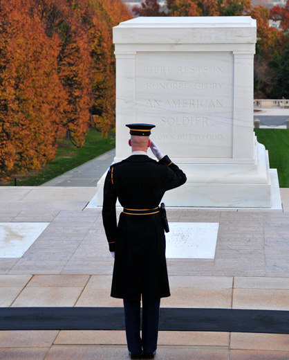 tomb of the unknown soldier 1 guards get the tomb guard identification badge immediately there is a difference between being a soldier who guards the tomb of the unknown soldier and being a sentinel soldiers in training may guard the tomb and perform their duties just as a sentinel, but only a sentinel may wear the badge.