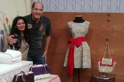 Bolsa e vestido combinados