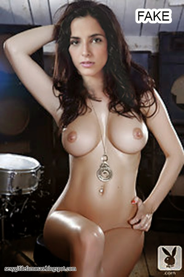 naked girls but has bra and panties