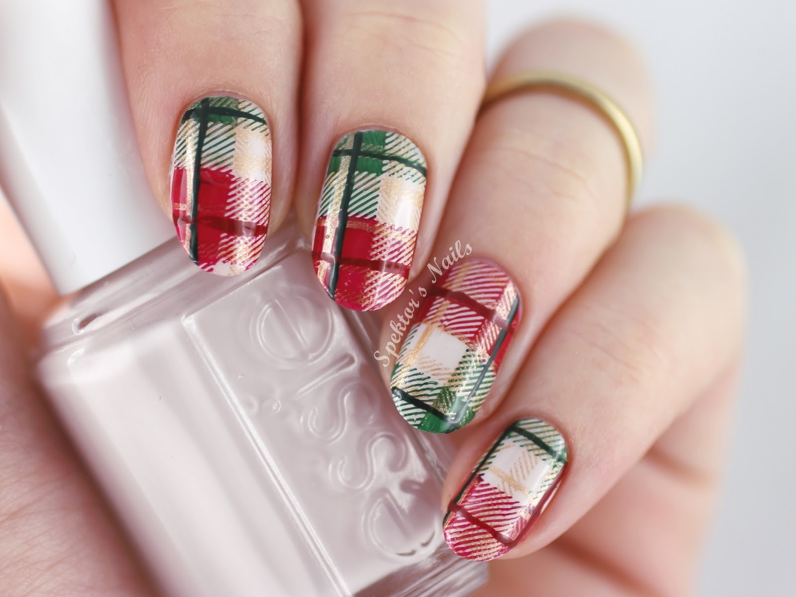 Christmas Plaid Nails feat. Essie - Urban Jungle