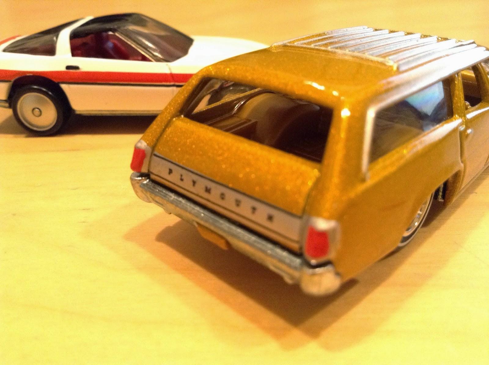 Julian's Hot Wheels Blog: '71 Plymouth Satellite & '80s Corvette