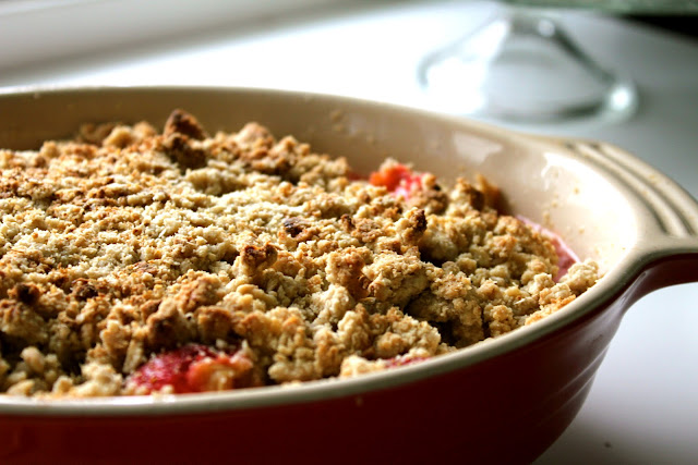 Gluten Free Strawberry and Rhubarb Crumble