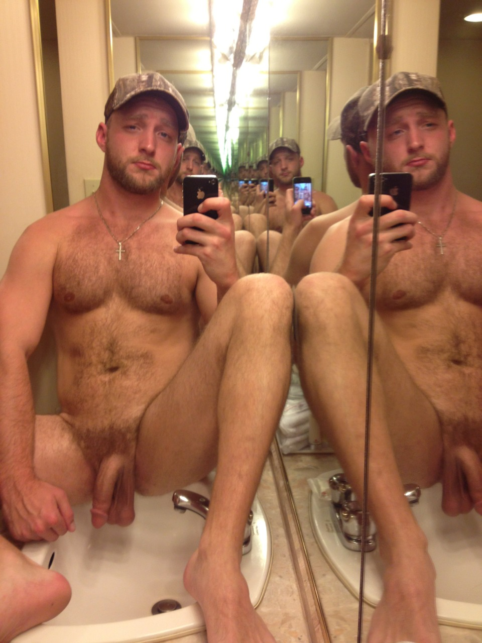 hot naked men pics in mirror