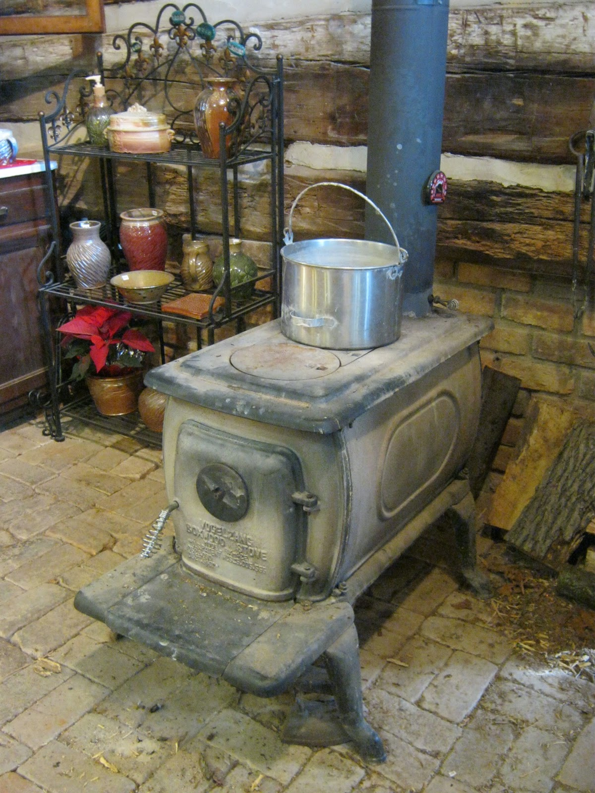 Since I am the first one up in the morning, it's my job to light the wood  stove. Luckily this one takes off pretty quickly, especially if you use a  torch to ... - Meesh's Pottery: Keeping Warm