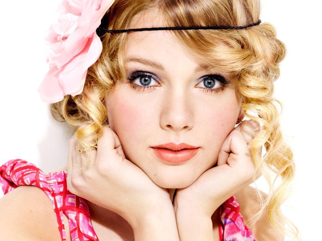 http://2.bp.blogspot.com/-P6XWvSGMvt8/UADigaevOSI/AAAAAAAABIA/SzWHwYt7t9U/s1600/Taylor-Swift-cute.jpg