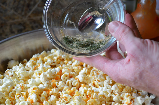Buffalo-Ranch-Popcorn-From-Scratch-No-Ranch-Packet-Toss-Seasoning.jpg