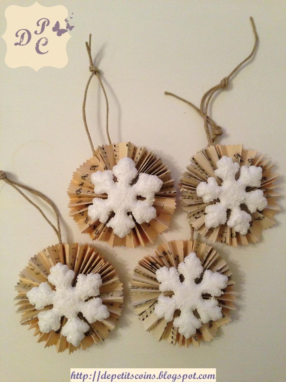 De petits coins decorazioni natalizie con spartito musicale - Decorazioni natalizie legno fai da te ...