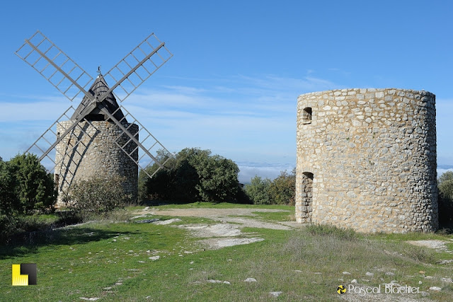 moulin à vent de saint juline le montagnier photo pascal blachier